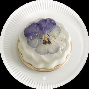 本日のおもてなしスイーツ!「お花のババロア」